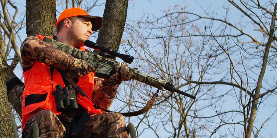 man AR15 deer hunting