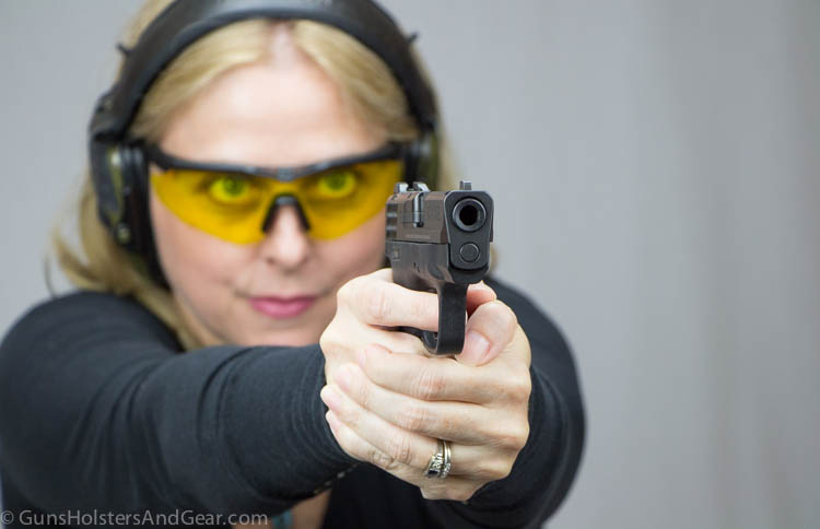 shooting the 9mm Shield